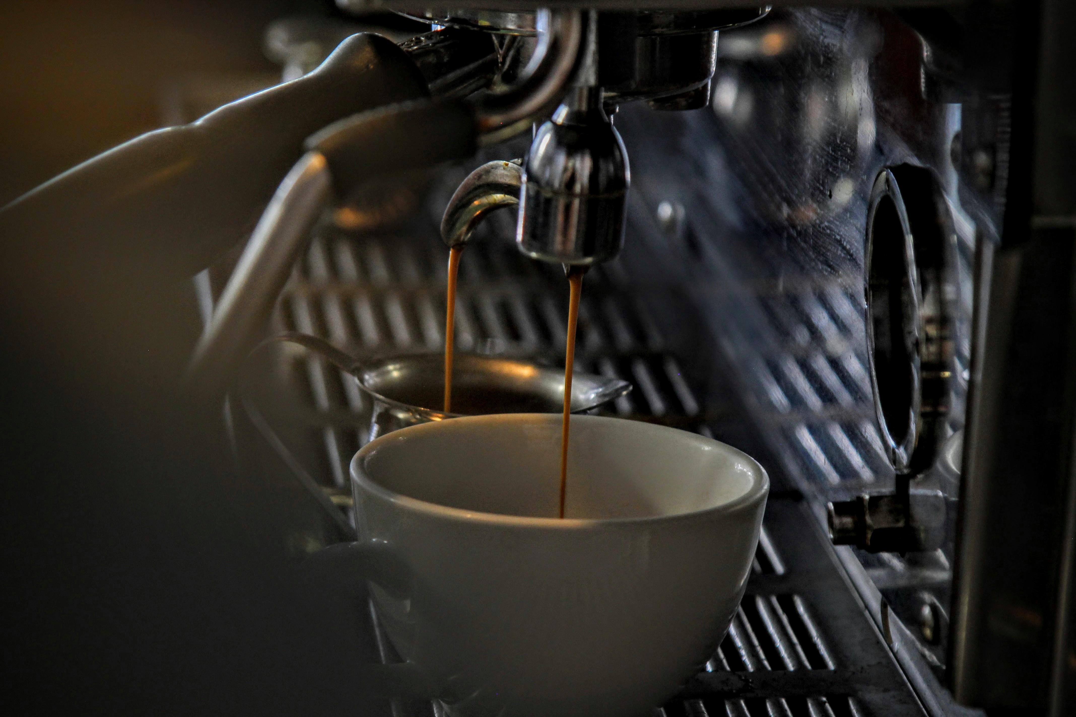 how to get pregnant - alcohol and caffeine